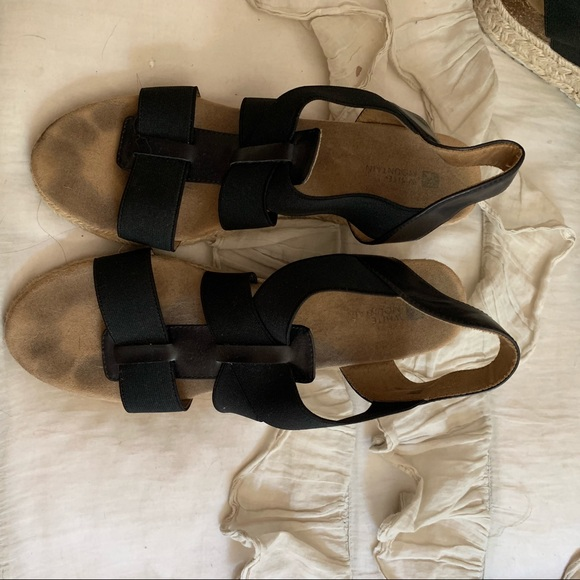 White Mountain Shoes - Wedge sandals